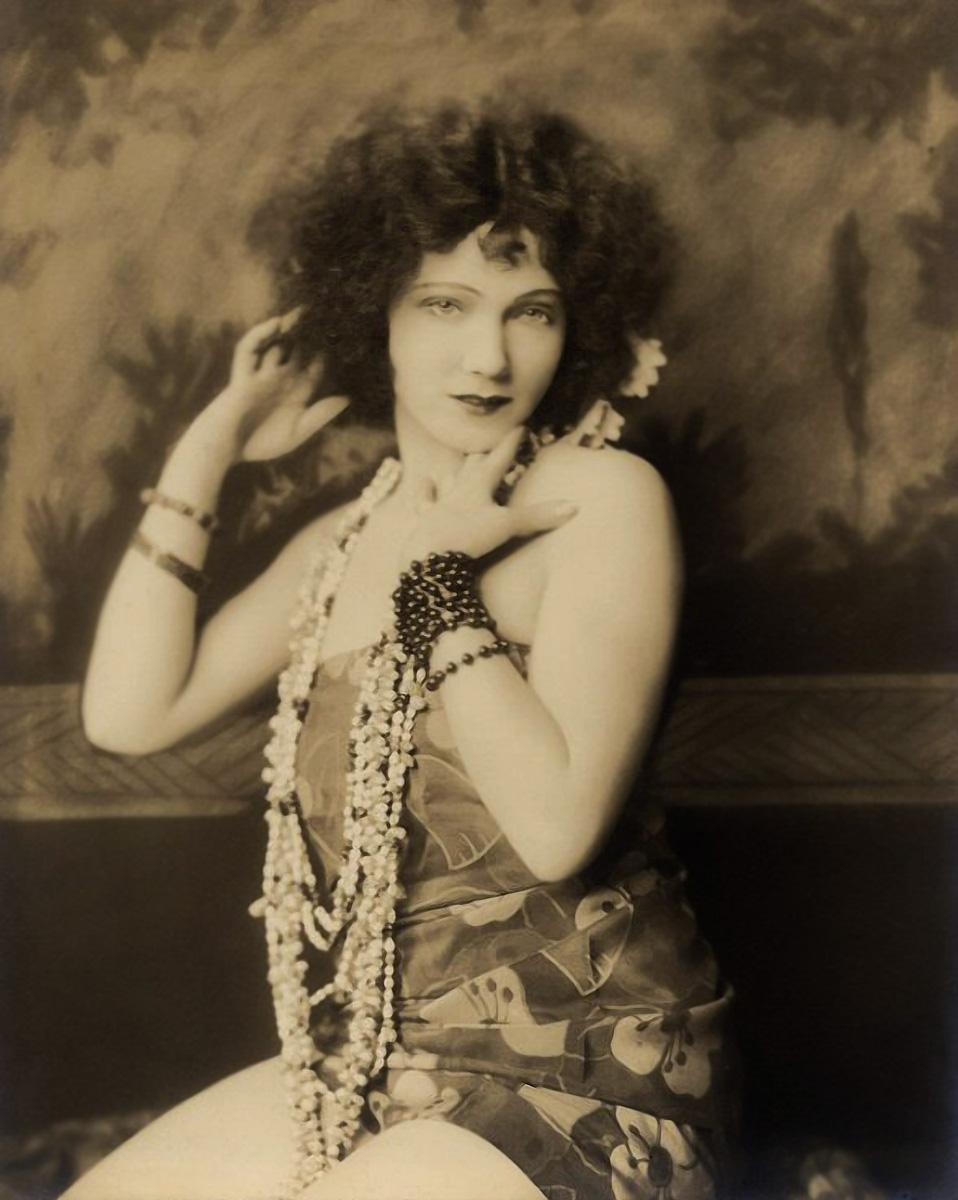 """GILDA GRAY. """"SHIMMY"""". BY ALFRED CHENEY JOHNSTON. 1920's"""