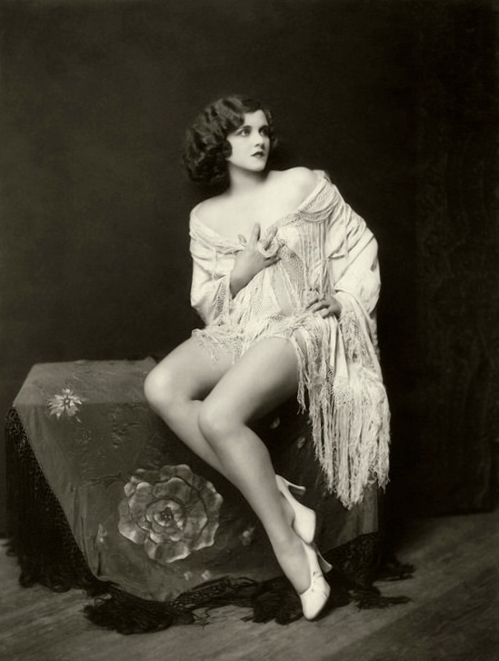 ZIEGFELD & SCREEN STAR, MARY LANGE.