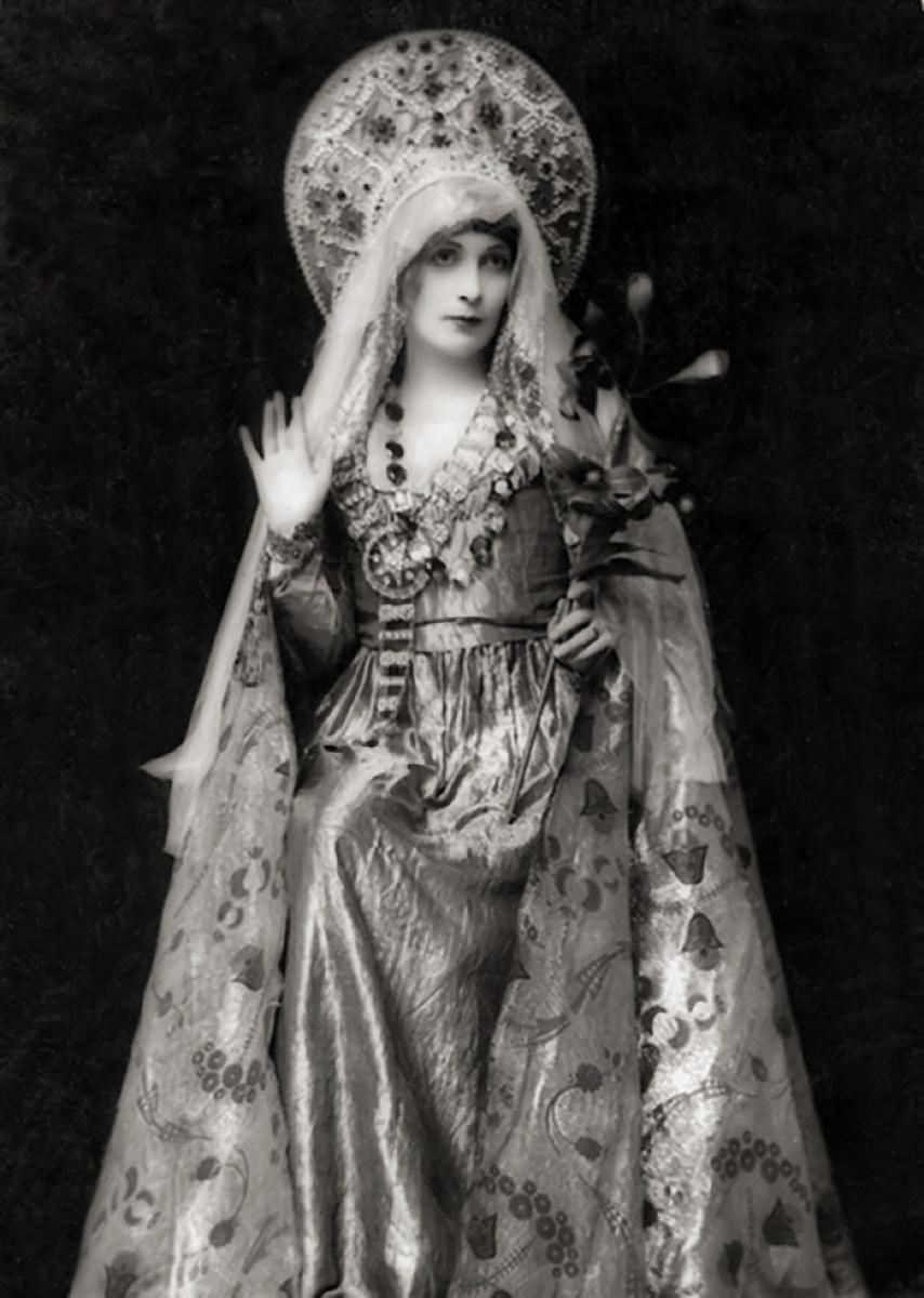 Lady Hazel Lavery by Emil Otto Hoppé (1916)
