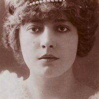 Geneviève Lantelme (ca. 1900s)
