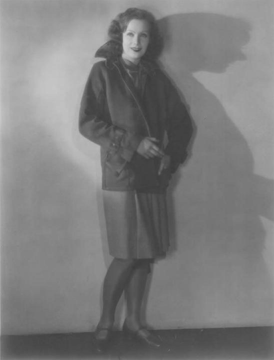garbo_standing_lady_hires_l