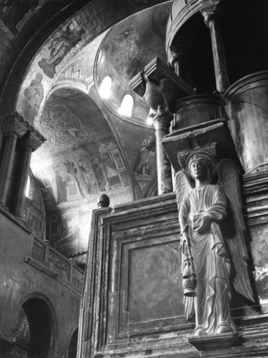 BASILICA-OF-SAN-MARCO-VENICE-1961-by-EDWIN-SMITH-c28312B